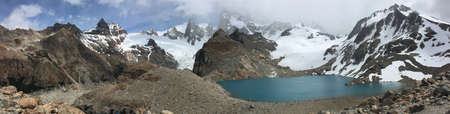 fitz roy: Fitz Roy and lakes in Los Glaciares National Park, Argentina