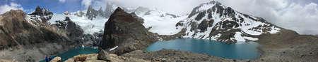los glaciares: Lakes below Fitz Roy in Argentina