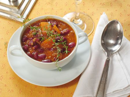 con: Chili con carne with carots & beans Stock Photo