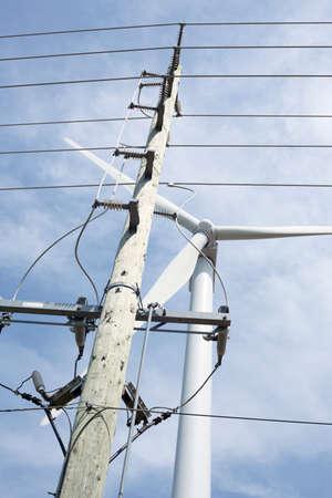 kracht: Power Lines, Windturbine