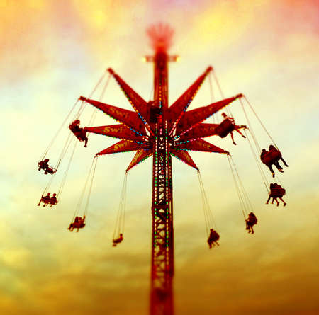 Swing Out Fair RIde Imagens - 44680504