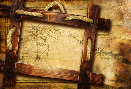 mapa del tesoro: vinatge antecedentes con marco de madera m�s antigua de ruta Foto de archivo