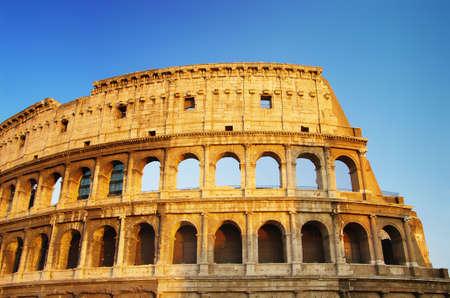 romano: Coliseo, gran s�mbolo del imperio romano