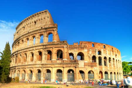 roma antigua: Coliseo, gran símbolo del imperio romano