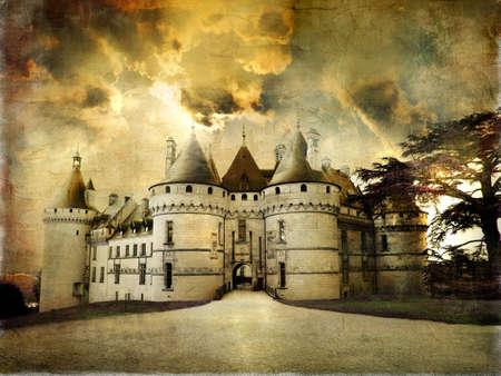 castillo medieval: Castillo de Chaumont - imagen de estilo retro art�stica.
