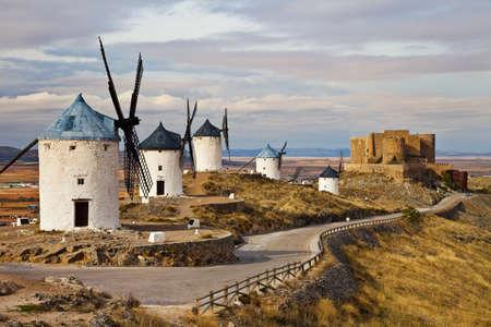 don quijote: tradicionales de España - molinos de viento de Don Quijote Foto de archivo