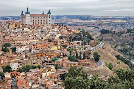 ufortyfikować: Toledo - średniowieczne miasto Hiszpanii