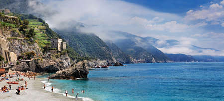monterosso: bella  Italia - Monterosso, Cinque terre Editorial