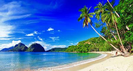 belle plage tropicale, photo panoramique Éditoriale