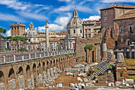 greatest: greatest italian landmarks series - Roman Forums