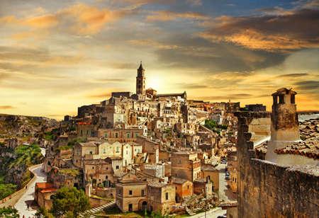마 테라 - 고대 동굴 도시, 이탈리아 바실리카 타 스톡 콘텐츠