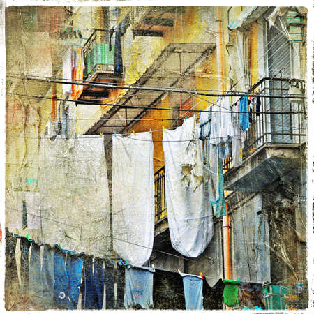 Naples, vieilles rues traditionnelles photo
