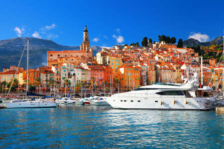 Menton-mooie stad in het zuiden van Frankrijk Stockfoto - 25126428