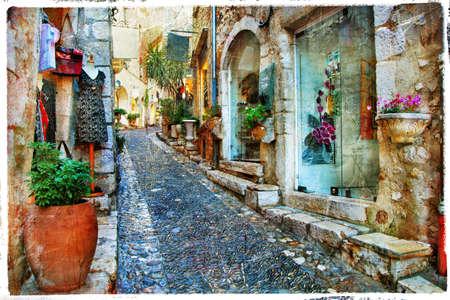 Charmantes rues des villages de France Banque d'images - 26181052
