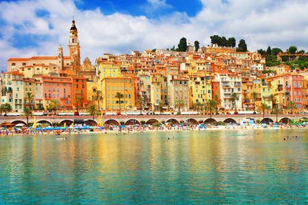 paisaje mediterraneo: soleado Menton - sur de Francia Foto de archivo