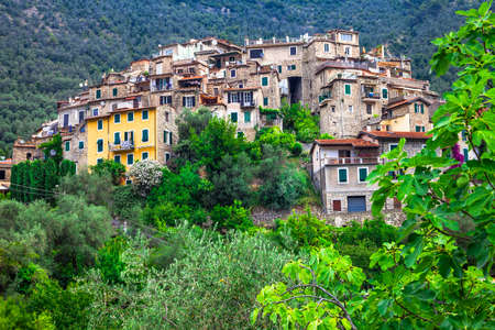 stoned: charming hill top villages of Italy