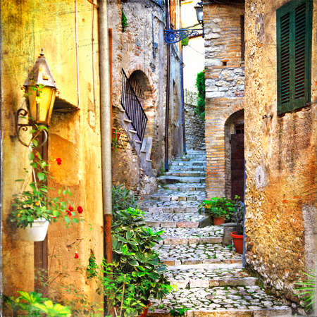 mediterranean houses: charming old streets of italian villages