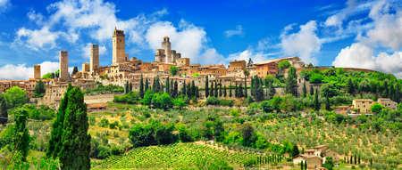 panorama of beautifil San gimignano, Tuscany , Italy 版權商用圖片