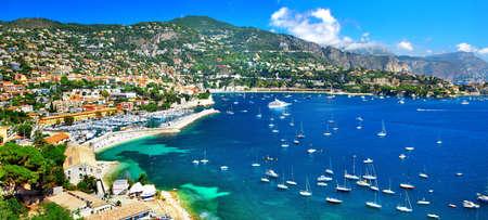 picturale Azzure kust van Frankrijk, uitzicht ov Leuke Stockfoto