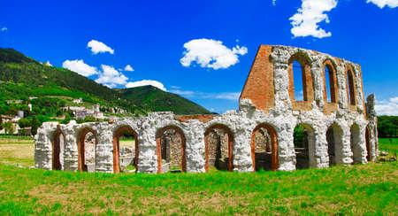 teatro antiguo: antiguo teatro romano en Gubbio, Umbr�a, Italia