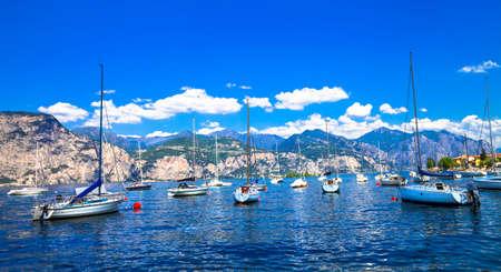 sirmione: sail boats in Lago di Garda, north Italy Stock Photo