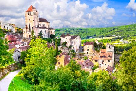 Saint de la lapopie - l'un des plus beaux villages de France Banque d'images - 38111195