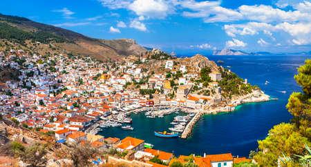 Belle vue sur le port de l'île de Hydra Banque d'images - 40966333