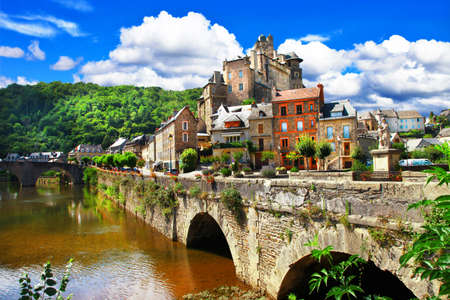 Estaing - one of the most beautifu vilages of France 版權商用圖片 - 44016919
