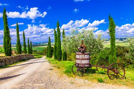 토스카나, 이탈리아의 전통적인 landscapesof 스톡 콘텐츠