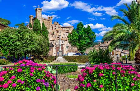 medieval: Bolsena - ciudad medieval de Italia, atracción popular