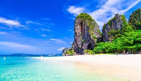 La plupart des belles plages de Thaïlande-Railay dans la province de Krabi Banque d'images - 48857873