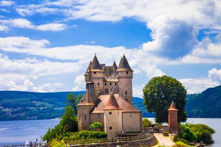 castello medievale: bei castelli della Francia - Chateau de Val Editoriali