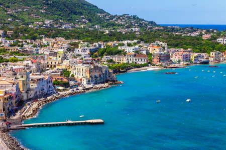 Eiland Ischia - Italiaanse vakantie Stockfoto