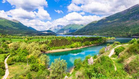 abruzzo: Beautiful Barrea lake in Abruzzo, Italy