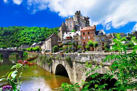 Plus beaux villages de France - Estaing Banque d'images - 54427702