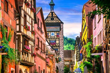 Mooiste dorpen van Frankrijk - Riquewihr in de Elzas Stockfoto