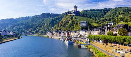 Cochem - ville médiévale dans la rivière Rhein, Allemagne Banque d'images - 64898221