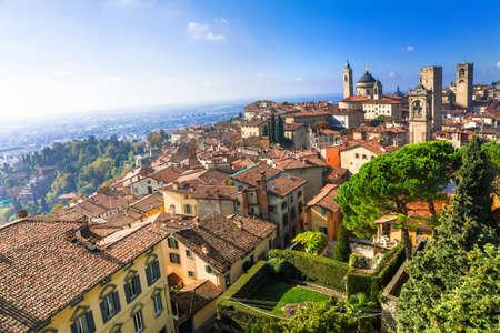 -中世の町は、北イタリアのベルガモ 写真素材