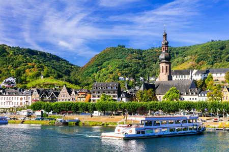 ロマンチックなライン川クルーズ - ドイツのコッヘムの街