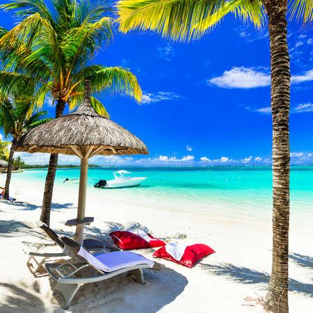 playas tropicales: Turquise playas de la isla Mauricio. vacaciones tropicales Foto de archivo