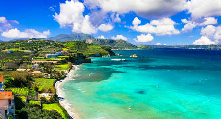 아름 다운 Almyrida 베이, 크레타 섬, 그리스.