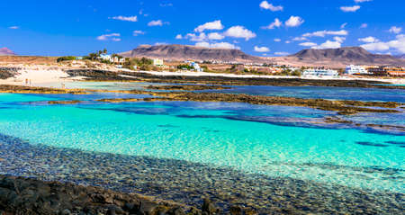 Piękna plaża na wyspie Fuerteventura, w pobliżu El Cotillo, Hiszpania Zdjęcie Seryjne