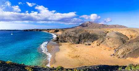 Scenic nature and beautiful  beaches of volcanic Lanzarote. Papagayo beach. Canary islands Zdjęcie Seryjne