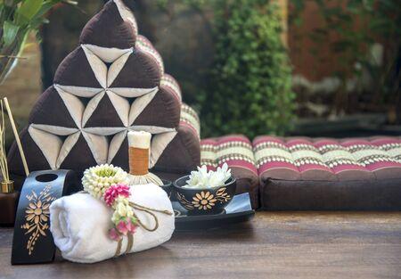 Spa massage kompres ballen, kruiden bal met zout, kurkuma en aroma, Thailand, selecteer nadruk