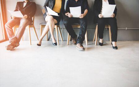 Groep Aziatische mensen die wachten op een baan interview. Business Concept