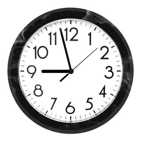 Horloge murale noire. Isolé sur fond blanc. Photo de haute qualité. Banque d'images