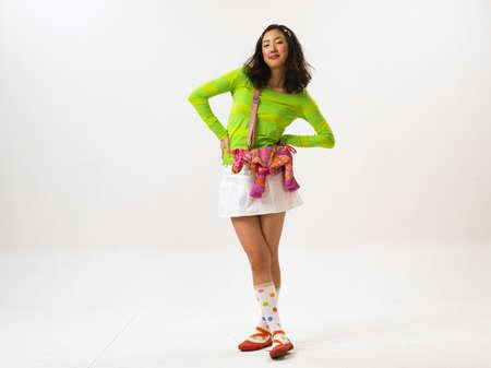 mini skirt: Jeune femme portant mini jupe, portrait