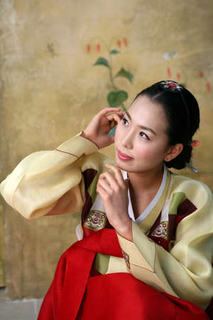 portraiture: Korean woman in traditional dress
