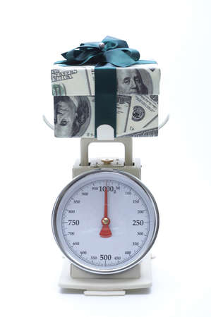numerics: Gift on weighing machine LANG_EVOIMAGES