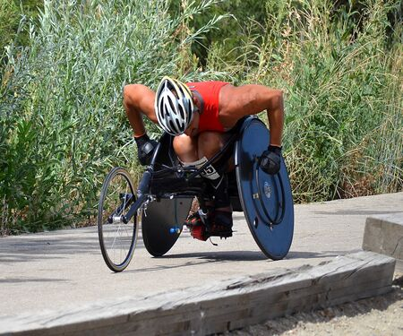 Wheelchair triathlete Redakční